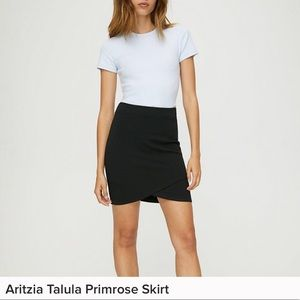 Aritzia skirt in black